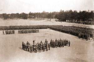 Барановичи, Парад на плацу железнодорожной бригады, 1916