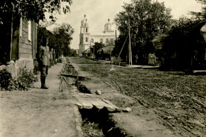 Вид на Свято-Успенскую церковь времен Первой мировой