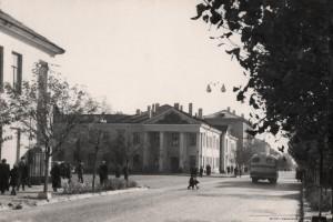 Техникум легкой промышленности, Советская улица