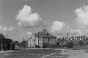 Здание. 1943. Нынешняя ул.Чкалова.