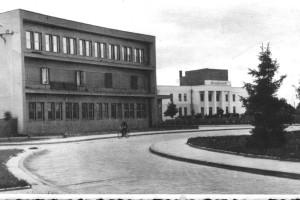 Почта и Солдатский клуб