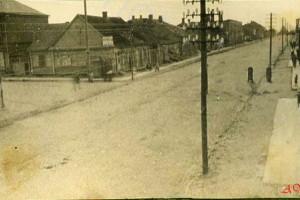 Вид на Haupstrasse в северном направлении с балкона солдатского клуба. Фото 1916 г.