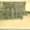 Немецкие солдаты на фоне грузовой машины на ст. Барановичи Полесские