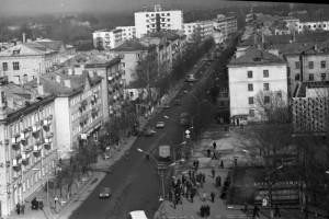 Вид с высоты на улицу Ленина