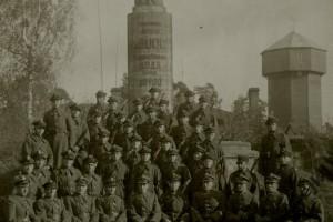 Памятник Артуру Буолю и солдаты 9 конного дивизиона