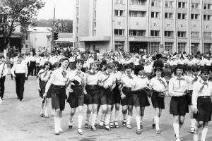 19 мая 1982 года. Барановичская пионерия на площади В.И.Ленина празднует годовщину рождения своей организации.
