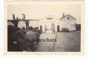 Foto 2. Wk Kriegsgefangenenlager Baranowitsche russische Gefangene Lager Rußland