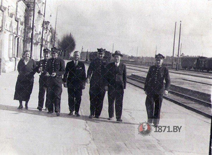 Перрон Полесского вокзала во время инспекции