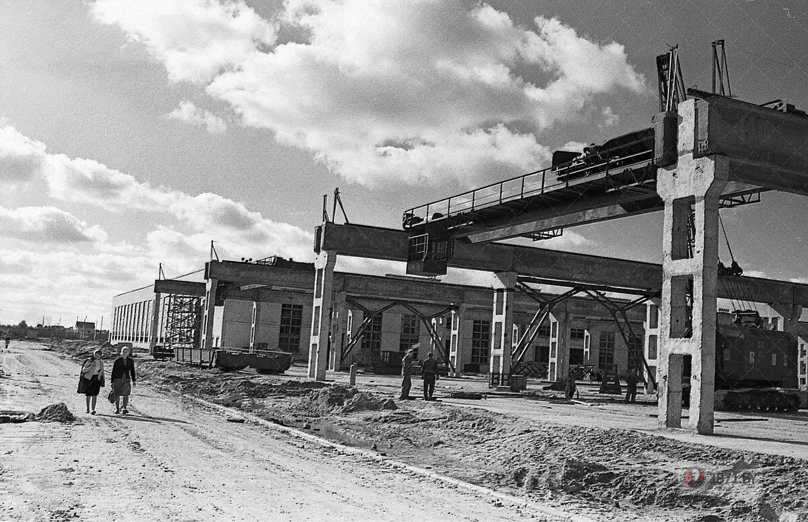 1963 год. Строится завод ЖБИ. Южная сторона предприятия.