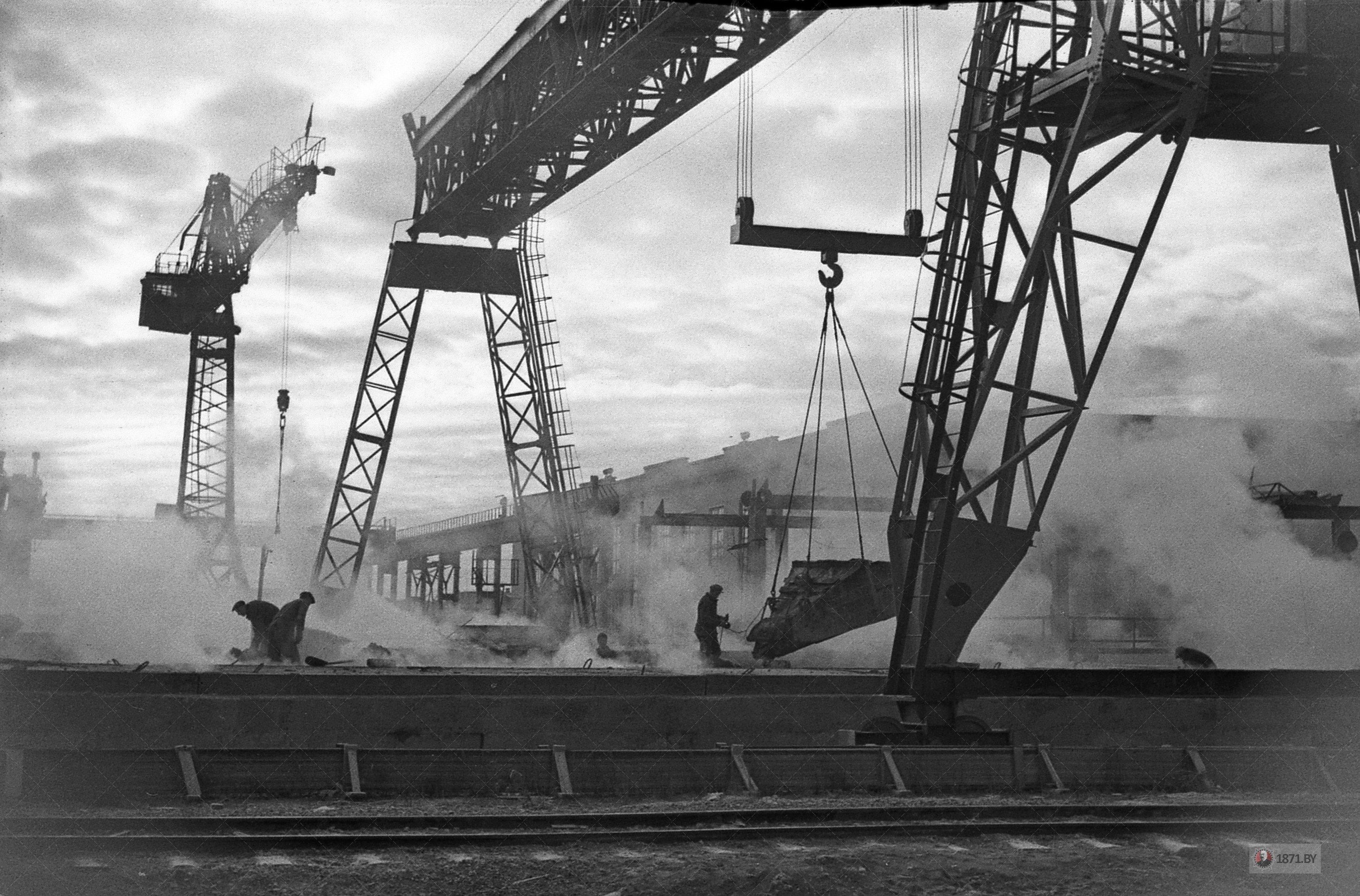 1964 год. Морозное утро на открытом полигоне завода ЖБИ.