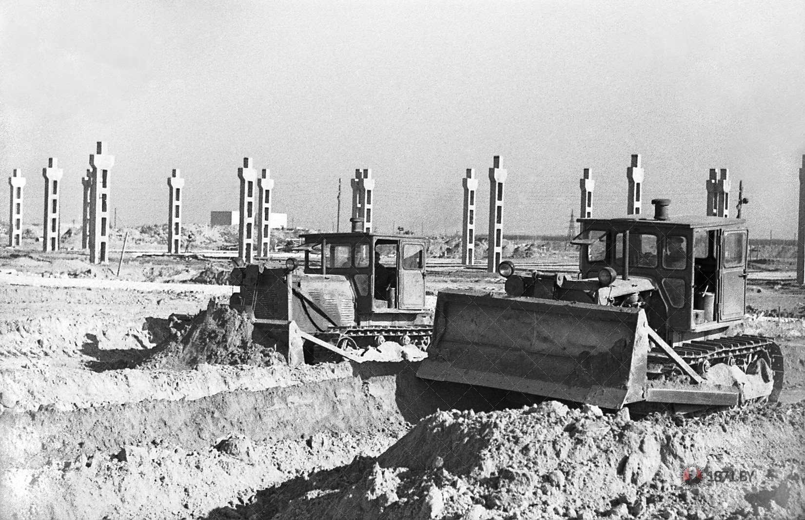 1965 год. Начало строительства кобината железобетонных конструкций.
