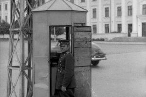 Постовой на площади Победы в Барановичах, Таранда