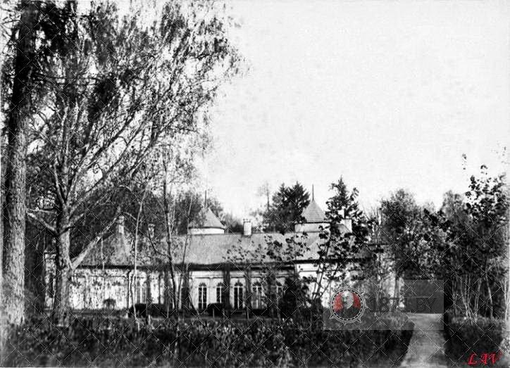 volyno-dvorec-vid iz parka L