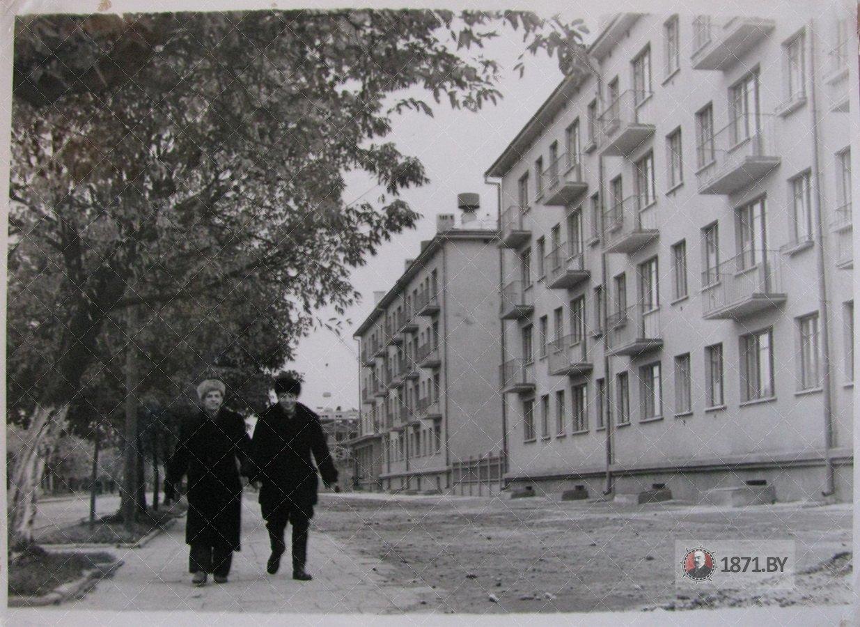 Барановичи. Комсомольская улица