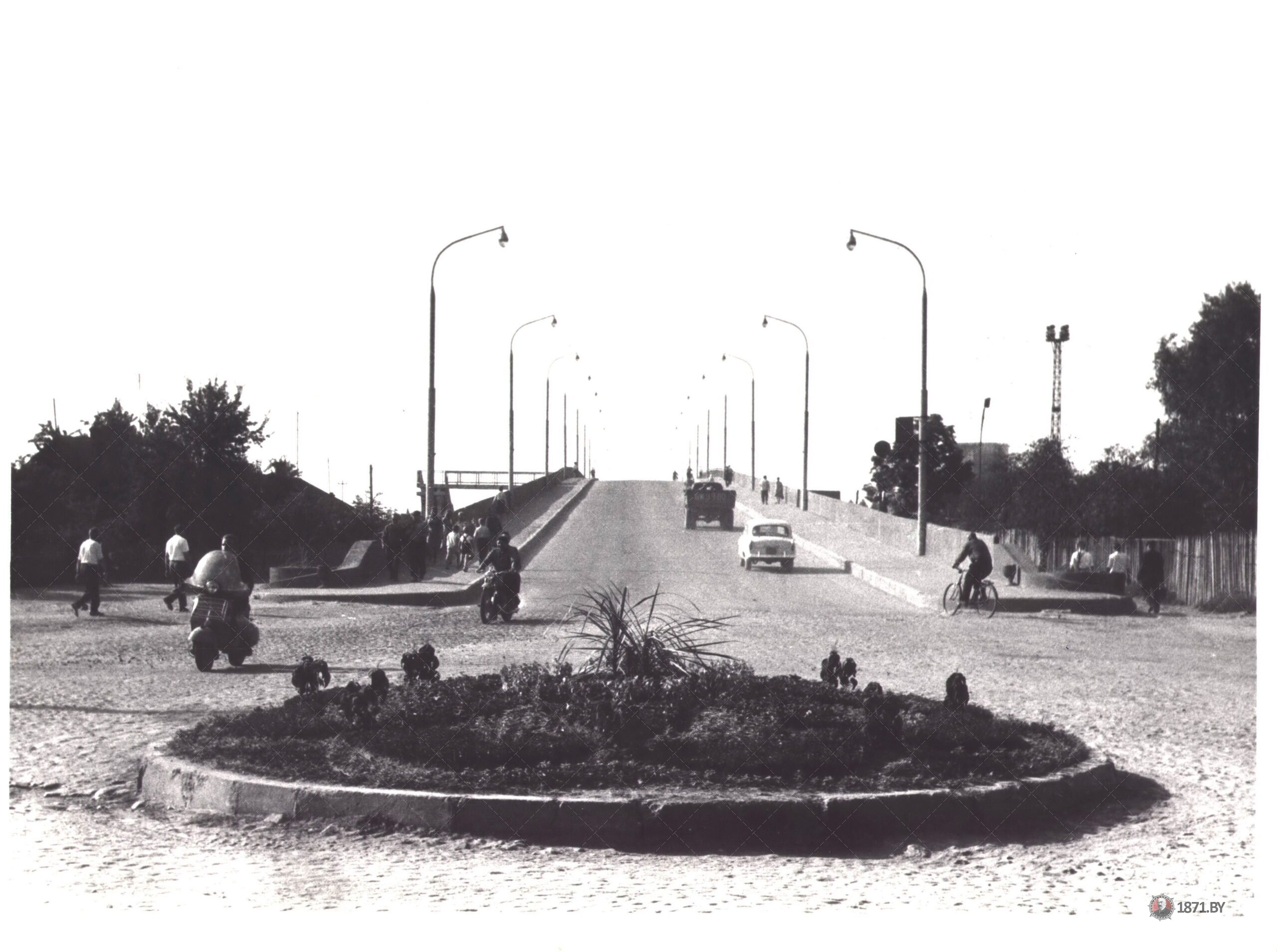 Барановичи. . Перекидной мост через ж/д полотно по ул. Советской. 1967 г.